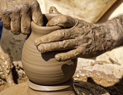 web3-pottery-potter-pot-clay-shutterstock_509373799